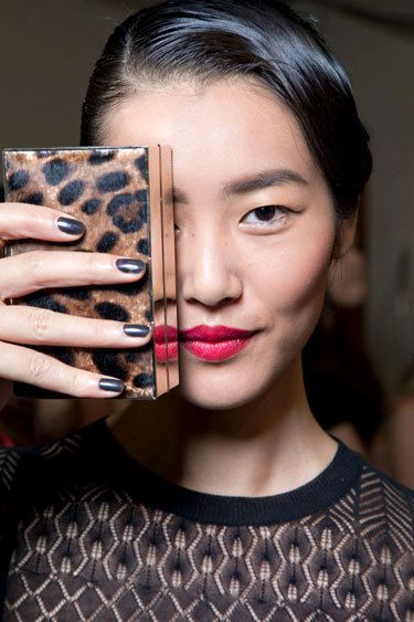 nail-trend-ss13-dark-side-jason-wu-lgn