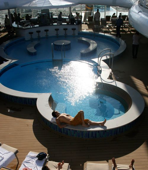Disney Dream inaugural voyage, Disney cruise for adults, quiet cove pool