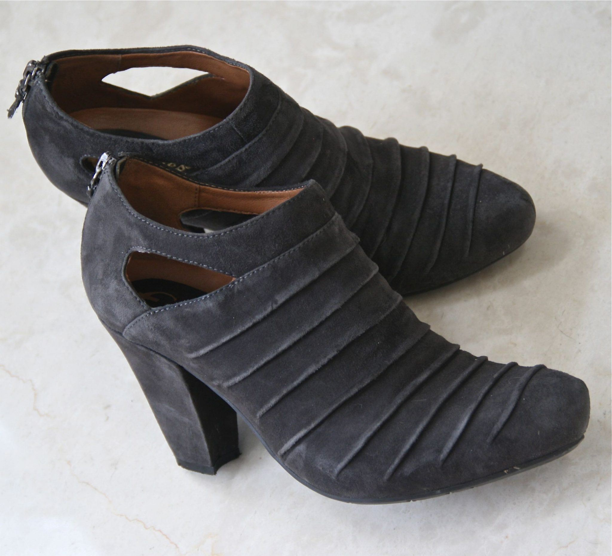 Earthies Shoes for Women on Sale