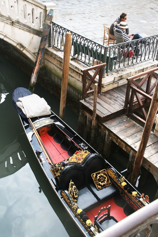 Venice, Italy lovers photos, gondolas in Venetzia