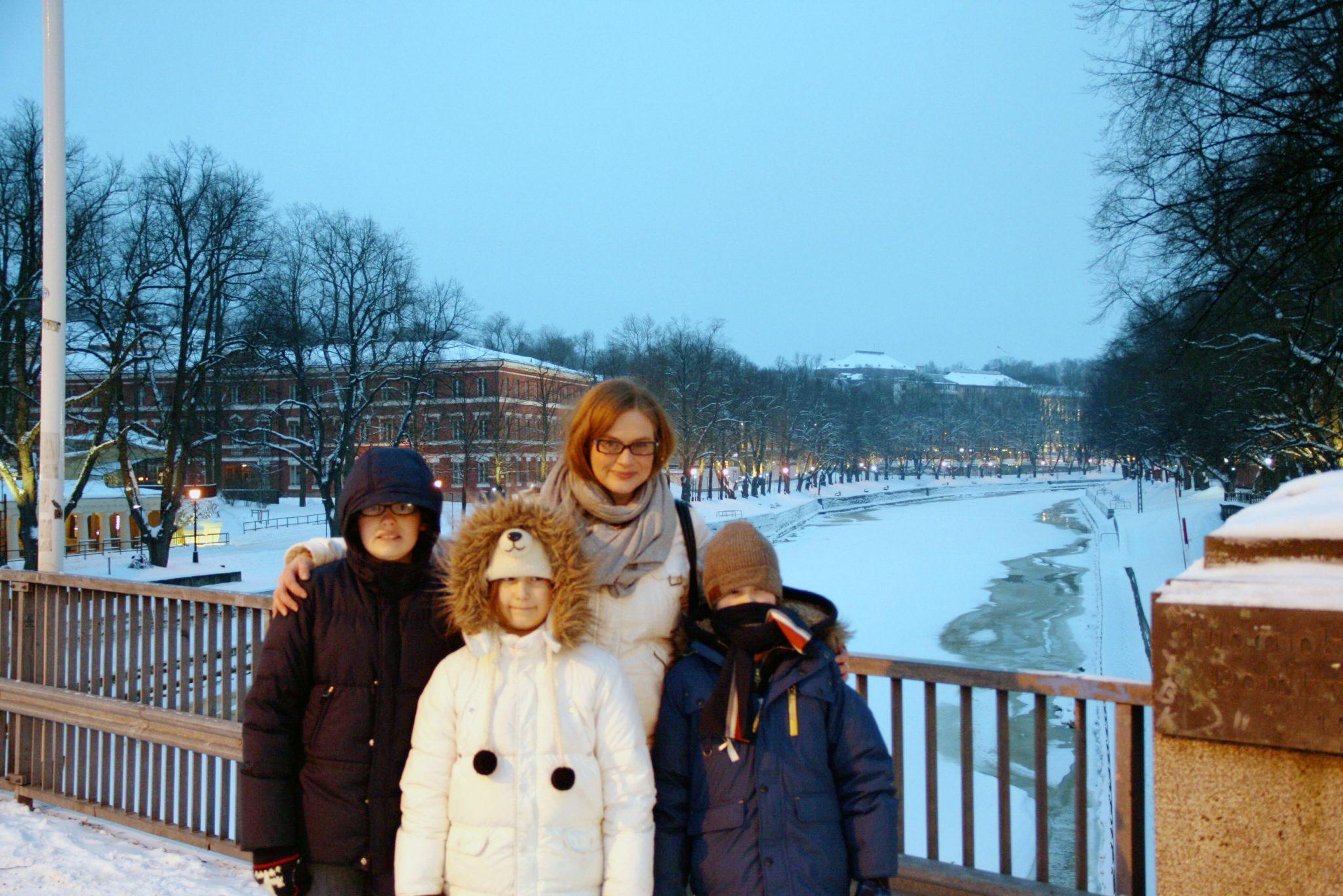 katja-and-kids-in-turku