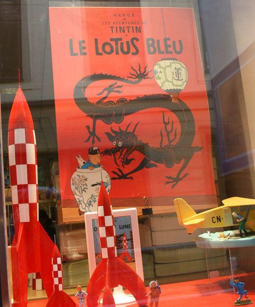 store window with Tintin