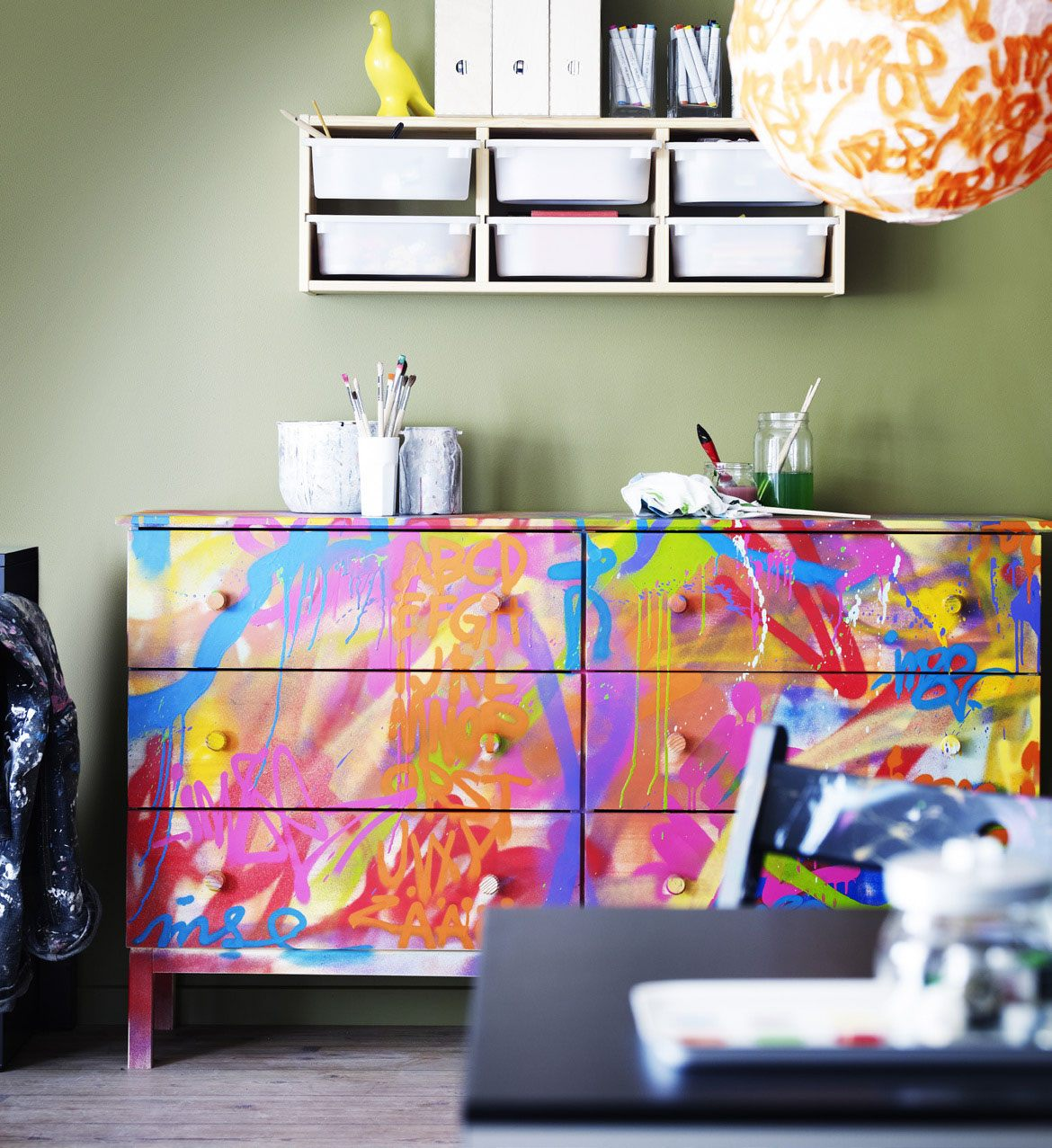 Ikea 2013 catalog preview skimbaco lifestyle online for Diy paint