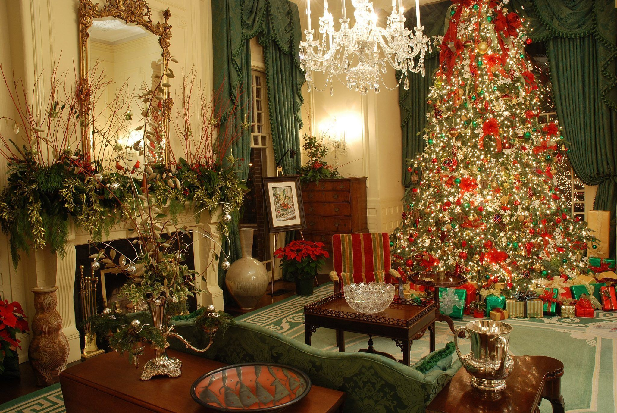 Skimbaco Executive Mansion At Christmas