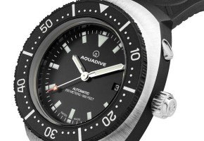 Aquadive-NOS-Model-77-watch