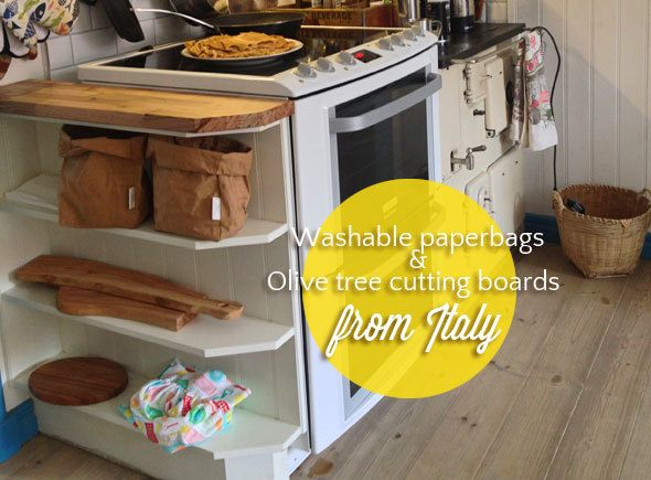 italy-souvenirs-in-kitchen