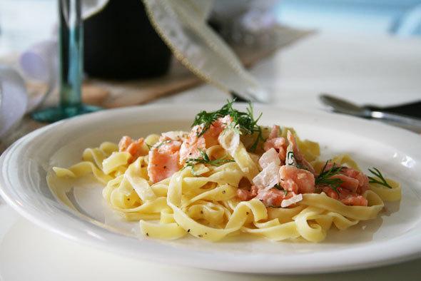 easy salmon tagliatelle recipe
