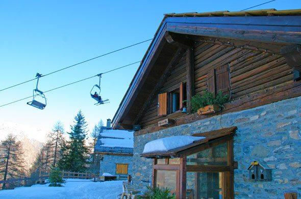 ski-chalet-in-Italy