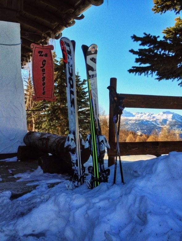 skis waiting