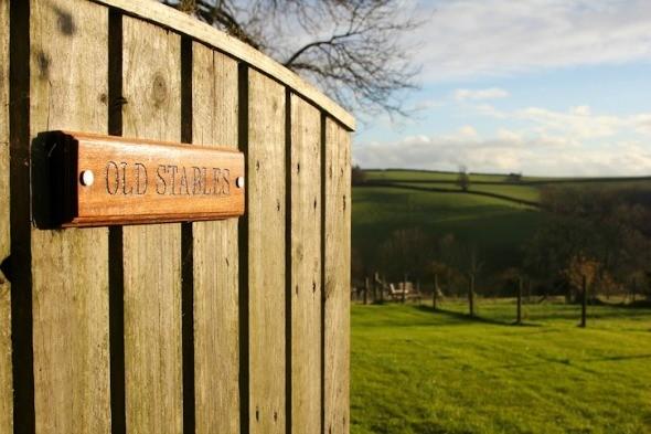 Old Stable in Devon, UK I @SatuVW I Destination Unknown
