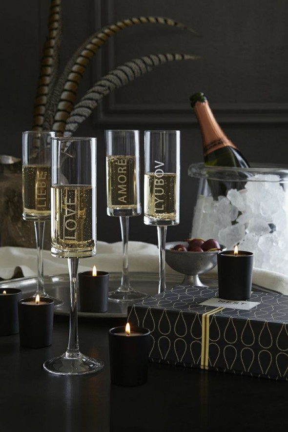 amore champagne glasses