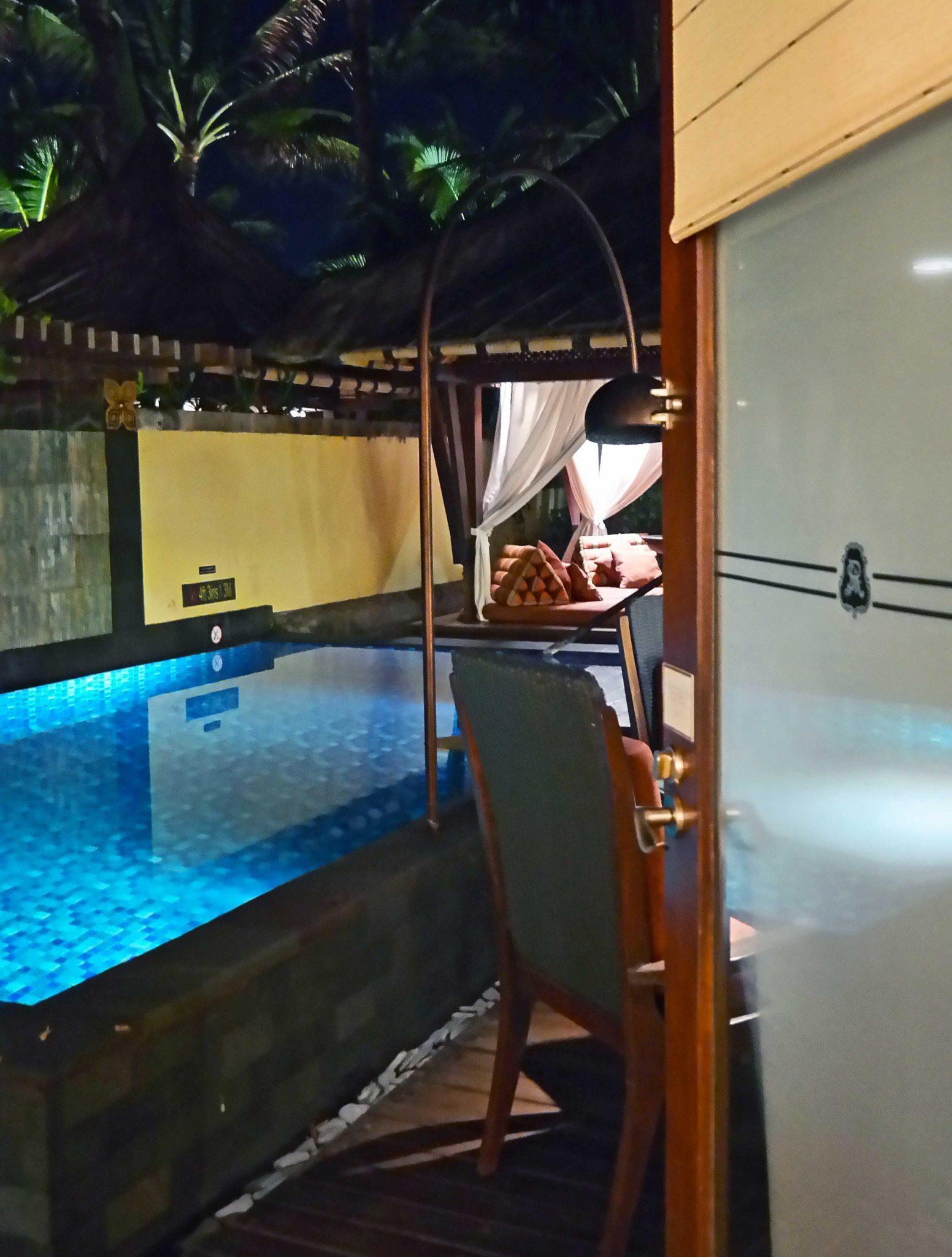 pool-at-night-time-st-regis-bali-resort