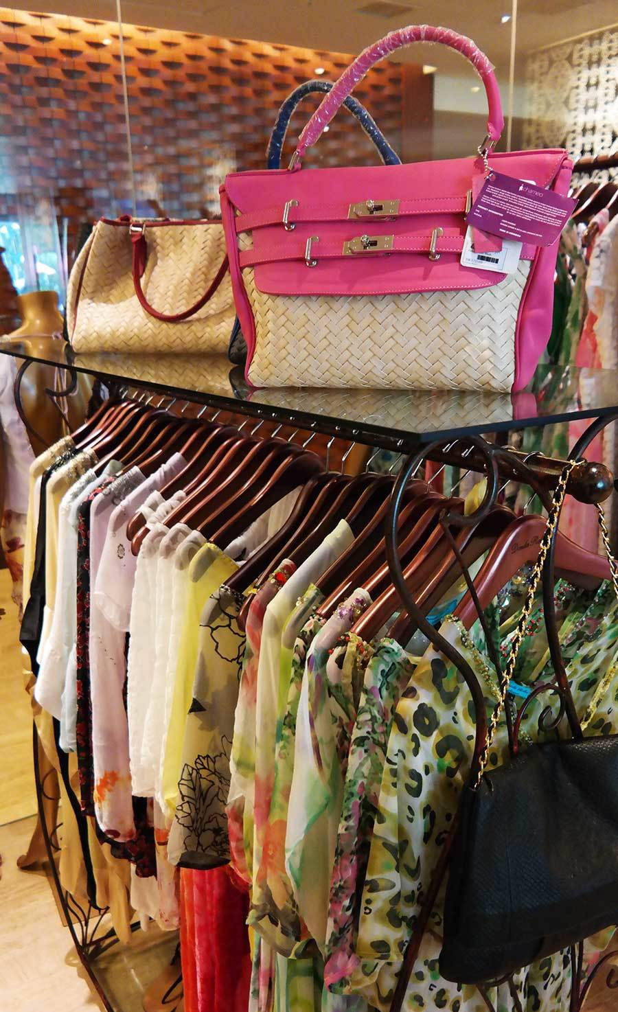shopping-boutique-at-the-st-regis-bali