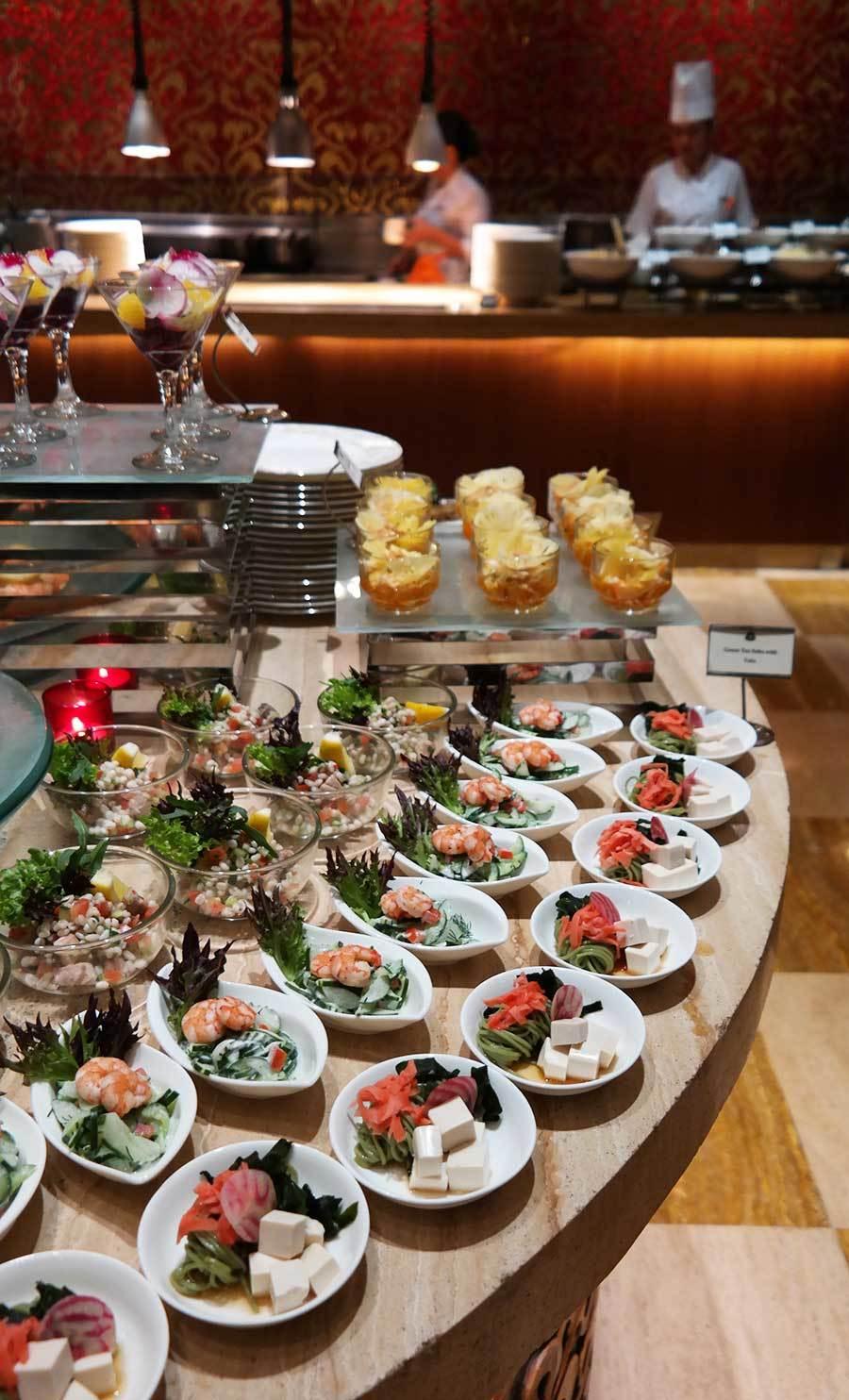 st-regis-bali-dinner-buffet-food