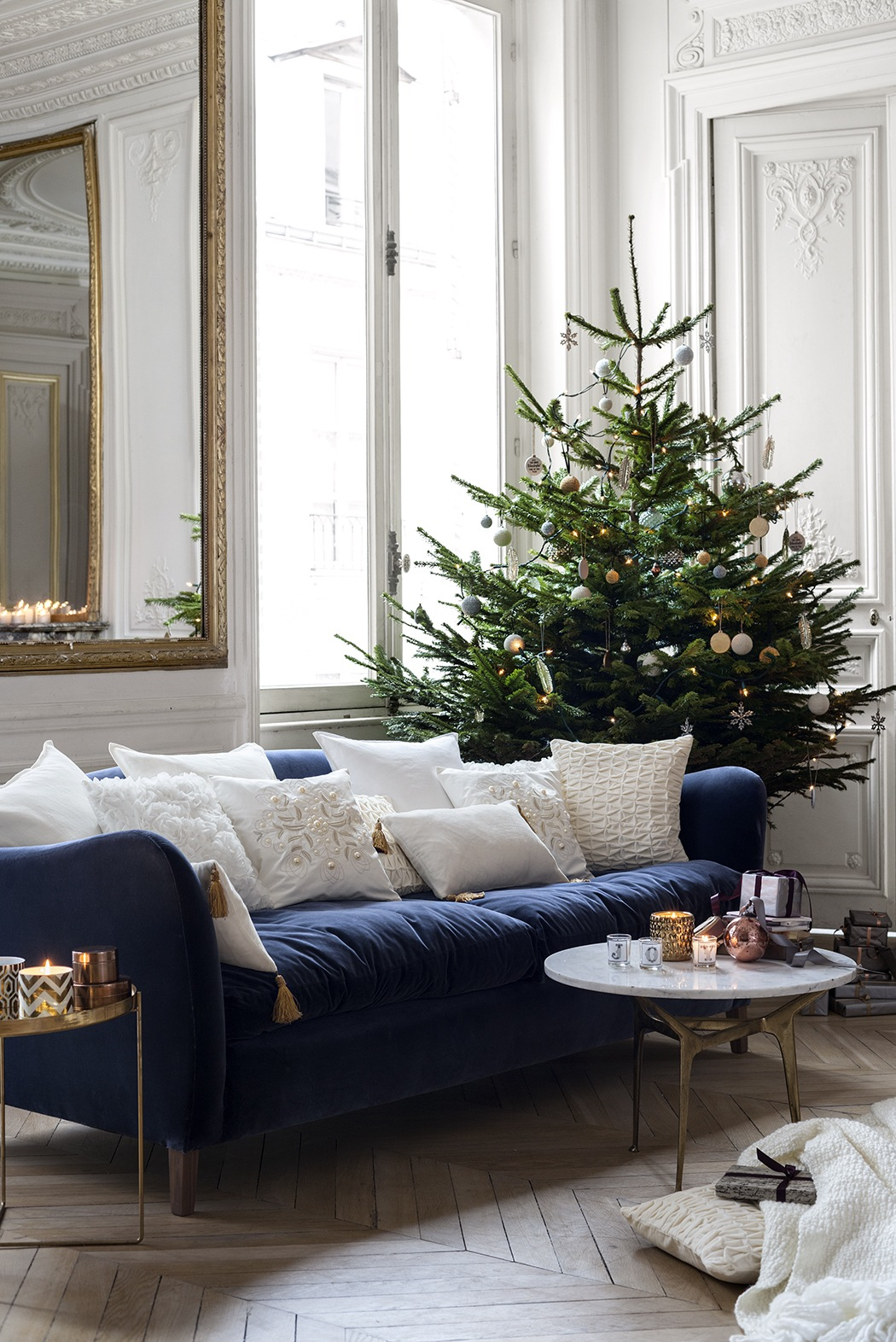 modern scandinavian christmas decorating inspiration skimbaco lifestyle online magazine. Black Bedroom Furniture Sets. Home Design Ideas