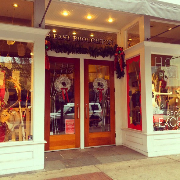 Store fronts in Savannah, GA for the holidays