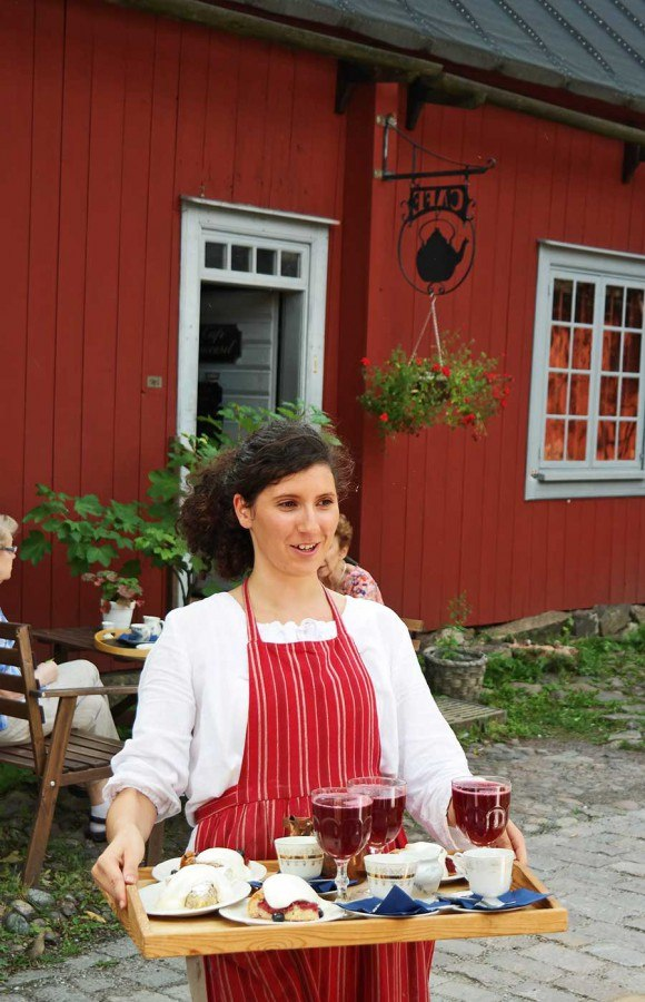 Enjoy the idyllic Old Turku at the Cafe Qwensel.