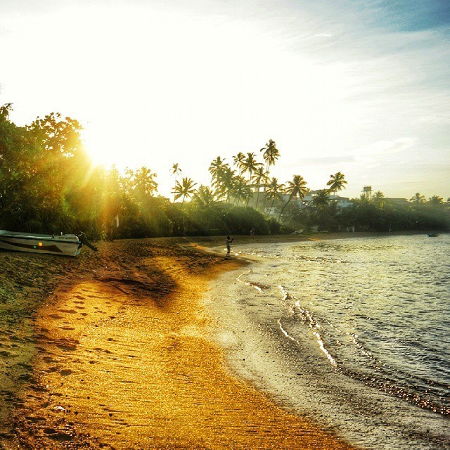sri lanka beruwala beach