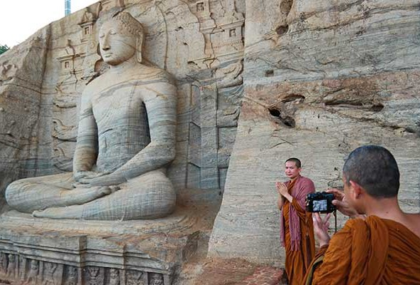 Sri Lanka in 20 Photos