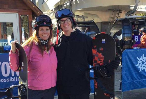 My Skimbaco moment: trying snowboarding for the first time with my son. By http://instagram.com/desmiller