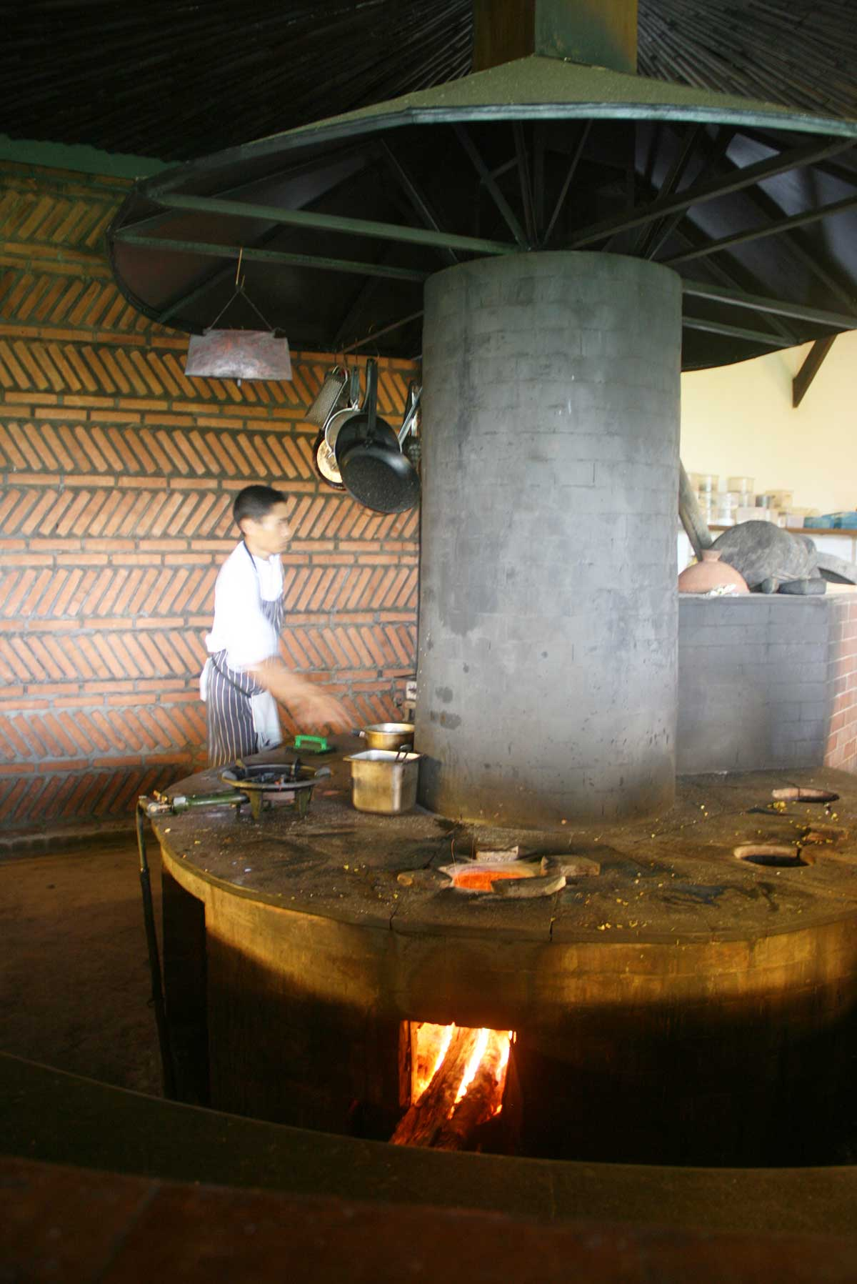 cooking on open fire in Bali