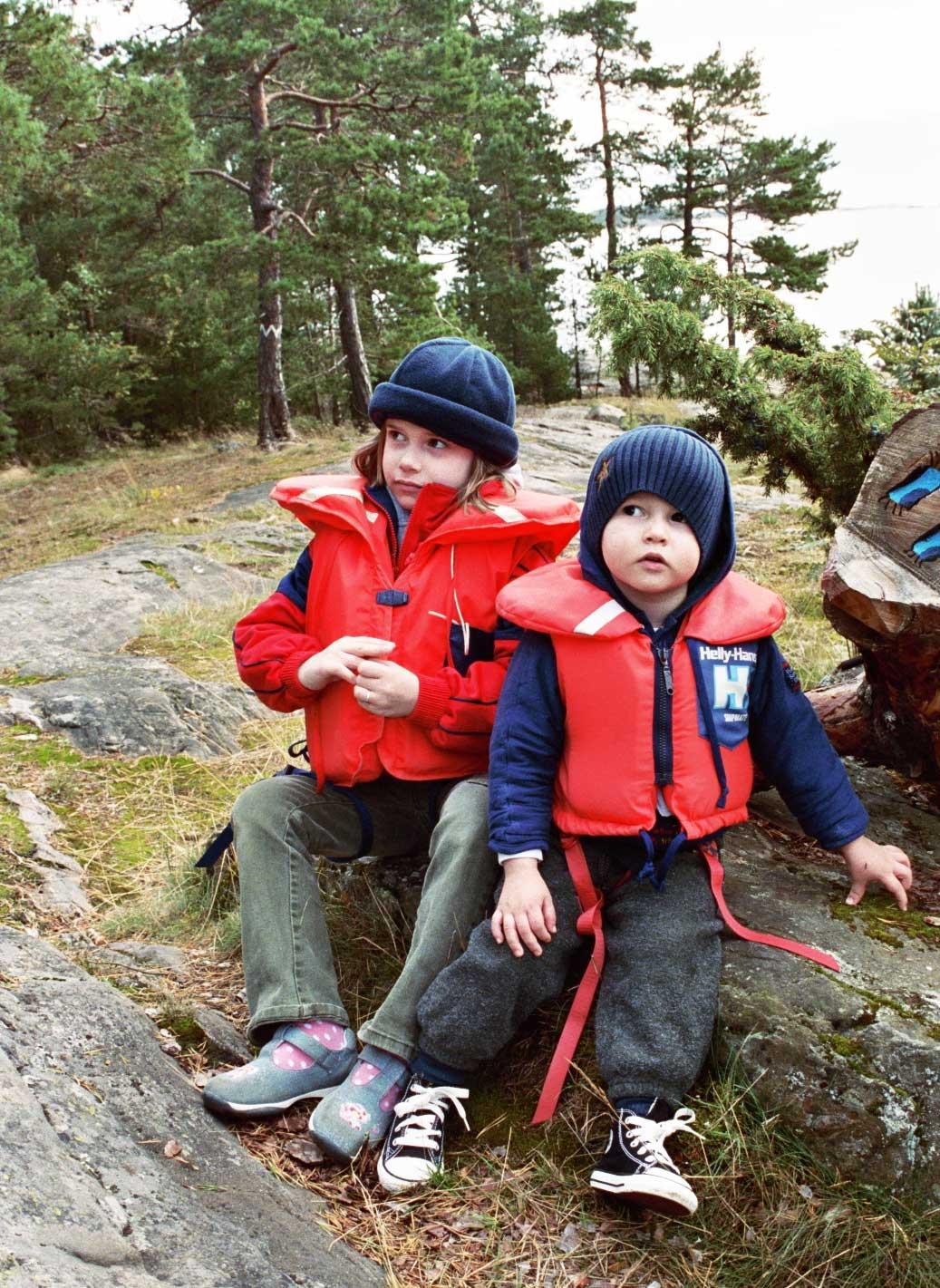 Kids in Turku islands